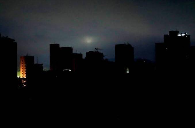 Sin luz Chihuahua, Nuevo León, Tamaulipas y Coahuila